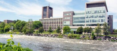 <strong>Carleton University Centre</strong>